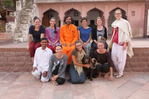 Volunteers www.shrijasnathasan.org